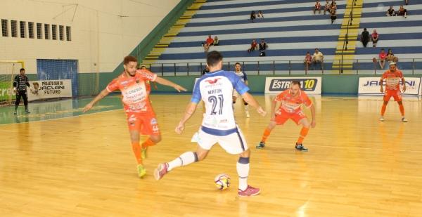 Futsal: clubes planejam retorno em junho