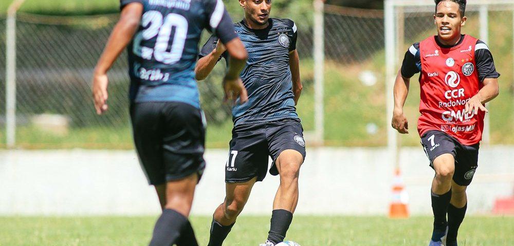 Futebol: jogo-treino para a garotada do Operário