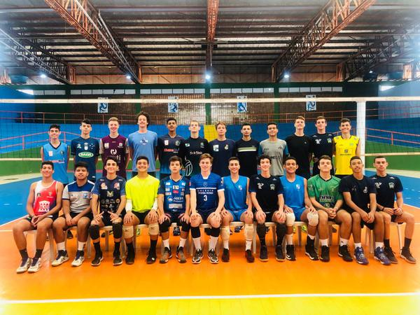 Vôlei: Paraná define convocados do CBS sub17