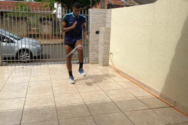 Futebol: Maringá monitora atletas à distância