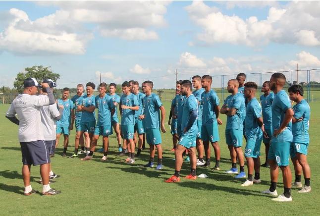 Futebol: Cianorte reduz elenco à espera do Estadual
