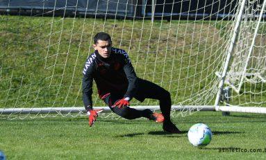 Futebol: Athletico retoma treinos com elenco
