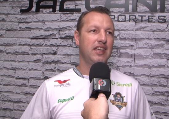 Futsal: Liga Paraná programa retorno para agosto