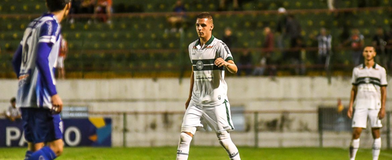 futebol: lateral elogia suporte do Coxa nos treinos