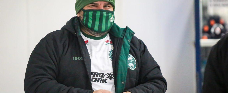 Futebol: Barroca retoma trabalho em Curitiba