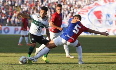 Futebol: Paraná apresenta lateral