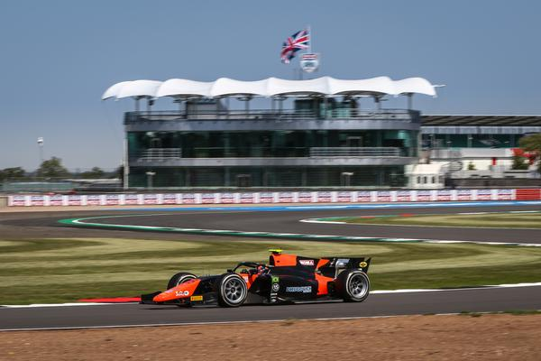 Fórmula 2: Drugovich garante a pole em Silverstone