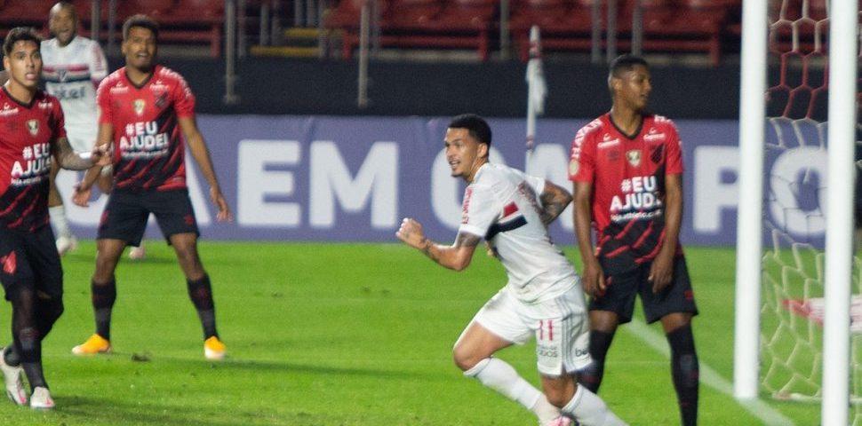 Athletico decepciona e sofre quarta derrota seguida
