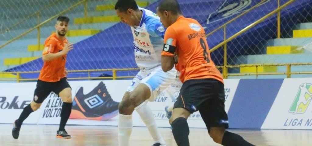 Foz estreia com derrota na Liga Futsal