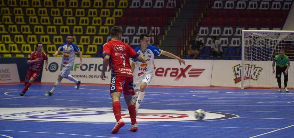 Liga Futsal: Umuarama vence o Joaçaba em jogo tenso
