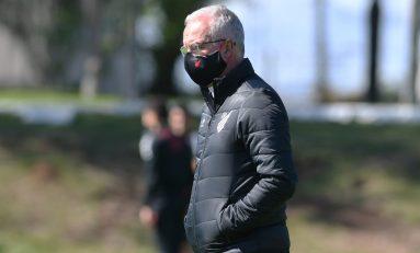 Futebol: Dorival volta a comandar o AThletico