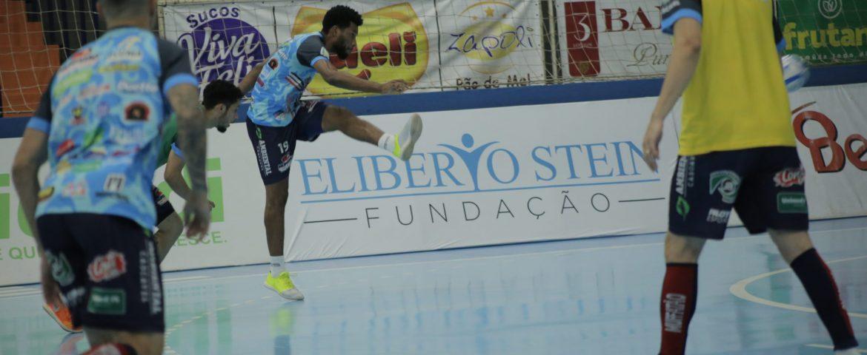 Veja entrevistas: Cascavel Futsal estreia na Ouro