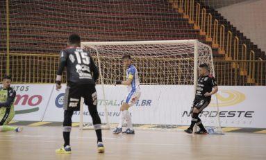 Futsal: Campo Mourão toma virada do Pato na abertura da LNF