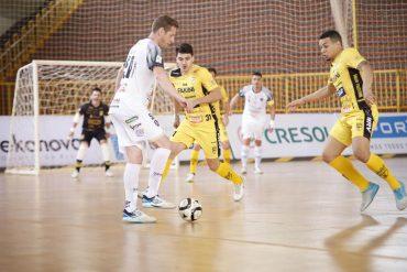 LNF: Campo Mourão celebra primeira vitória