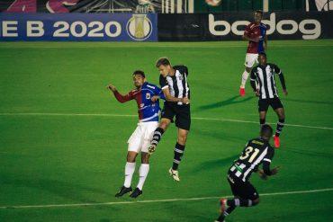 Paraná vence e mantém liderança na Série B