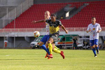 Série : FC Cascavel vence e segue na briga pela vaga