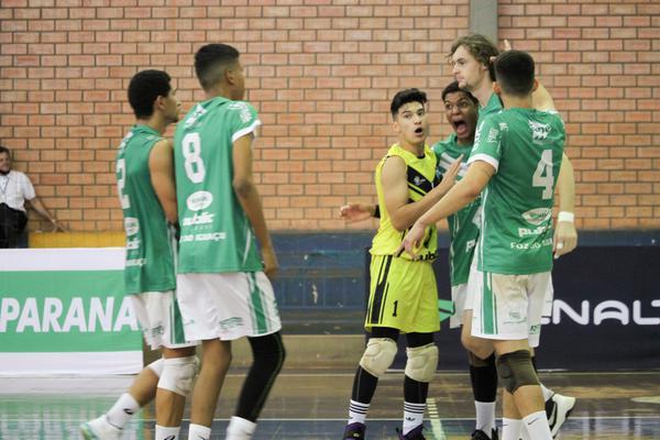 Vôlei: estadual sub-19 tem semifinais em Medianeira