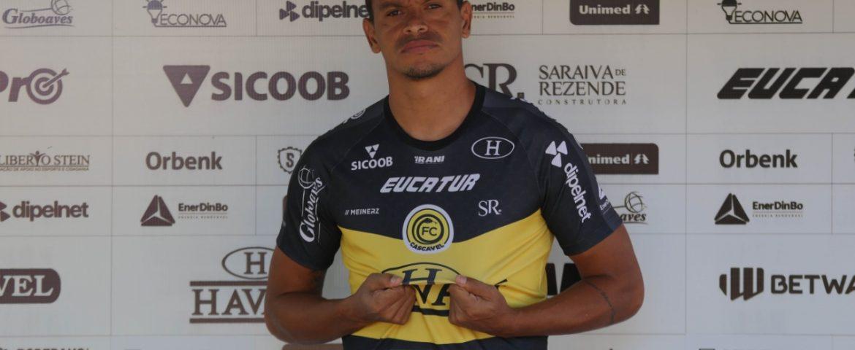 Série D: FC Cascavel apresenta atacante