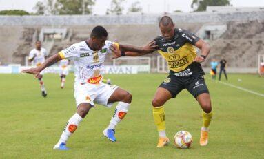 No sufoco, FC Cascavel abre vantagem