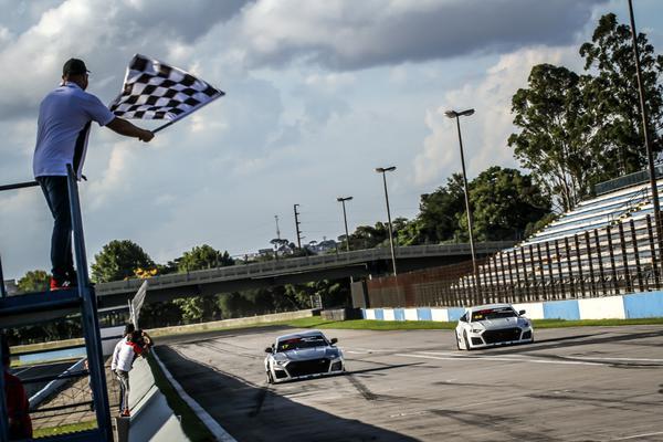 Duelos abrem temporada da GT Sprint Race