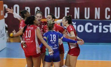 Curitiba perde a primeira do play-off