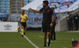 Com novo planejamento, português assume o Athletico