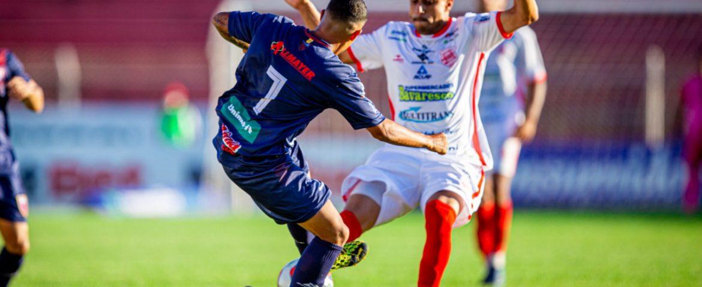 Rio Branco vence com gol nos últimos minutos