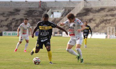 FC Cascavel vence e lidera o Paranaense com 100%