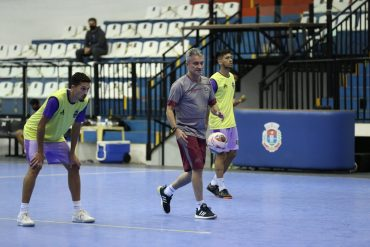 Pato Futsal treina de olho na Copa do Brasil