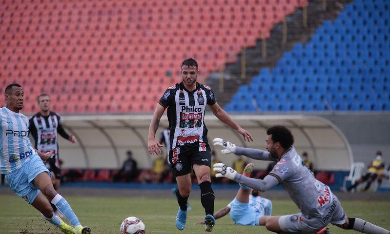 Londrina abre vantagem na semifinal do Paranaense