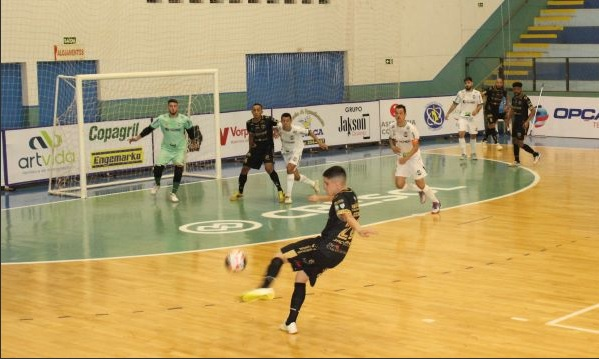 Futsal: Marechal perde em casa mas avança ao playoff