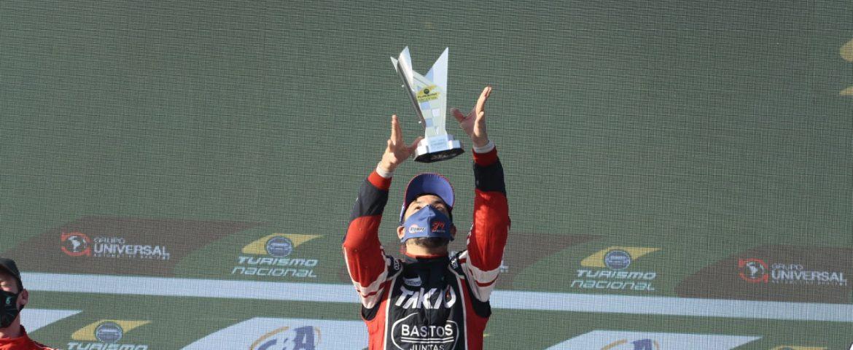 Wanderson Freitas celebra subida no campeonato